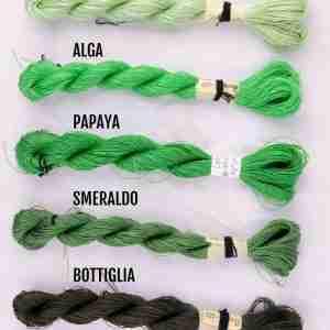 Filati color mela, alga, papaya, smeraldo, bottiglia