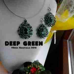 deep green-01